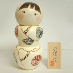 Kokeshi Jeunes filles (+ de 14 cm)  Konjyo (17cm)